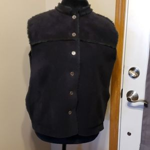 Faux fur lined vest black warm sueded button down
